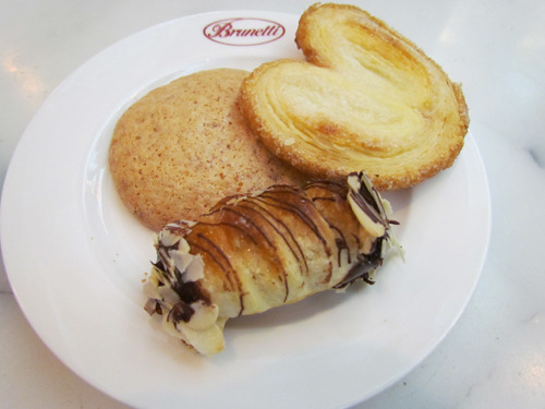 Brunetti in Dubai, UAECannoncini Cioccolato, Amaretti and Palmier My all-time favourite is the Cannoncini and the new favourite is Palmier! (Amaretti is a bit too hard cookie for me)