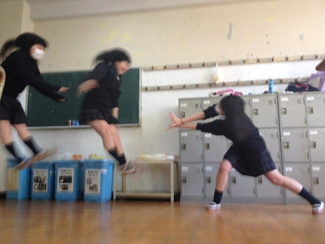 photojojo:  Latest Japanese school girl photo craze! Faux Dragon Ball attacks! We're totes gonna try this one. You just need a little timing and knee-highs. Japanese School Girls Dragon Ball Re-Enactments (Thanks, Selina!)