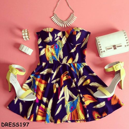 sassitudedotca:  Autumn Bustier Dress Here