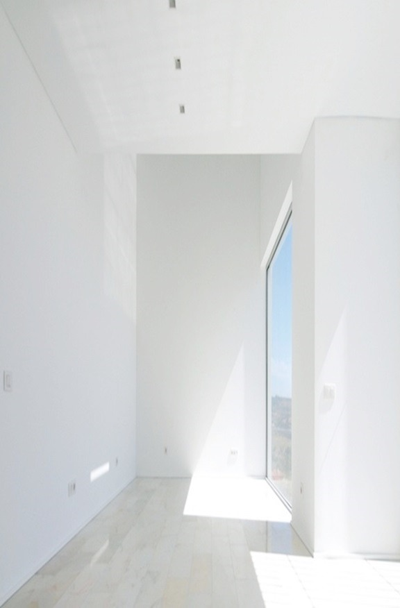 stxxz:  Jorge Mealha - House in Paço de Arcos, Portugal 2010. Photo (C) Jorge Mealha