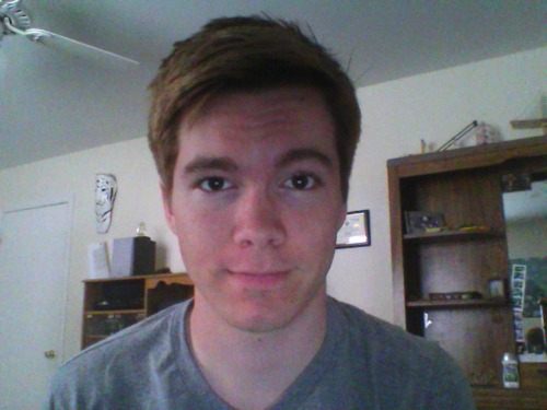 lightheartedleo:  Cut all my hair off again.