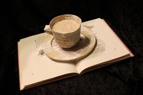 bookporn:  Coffe Cup Book Sculpture by Jodi Harvey-Brown