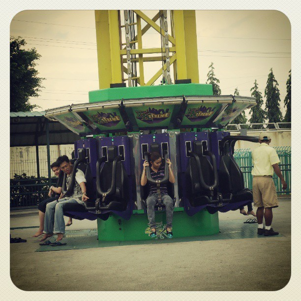 I rode here 4 times and I fell in love with this ride.. Very thrilling haha gusto ko ulit ulitin!! #enchantedkingdom2013 #EKstreme #instacool #instagood #IGersmanila #IGersphilippines #Igersph #instagramers #ifollowbackfast #photography