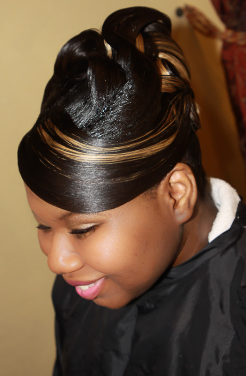 Are you ready for prom? Allow Elite International hair Design,Inc. help you look beautiful for your special day. Like us on facebook and receive a gift when you schedule your appointment for prom.