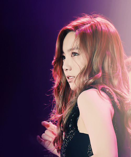 ruby-sica:  26/100 of taeyeon ruining my life