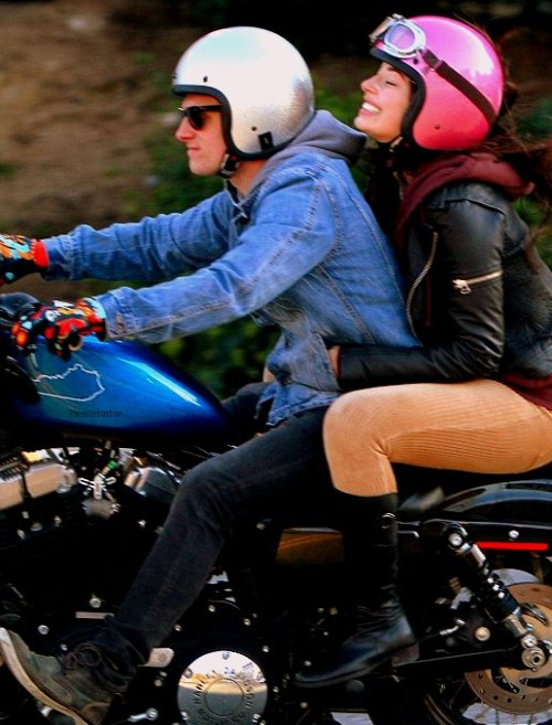 hutchasaurus:   Josh giving her ex girlfriend a ride (12.01.2013).  confused  who?