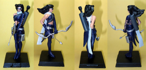 Hawkeye/Kate Bishop custom figure by vespertila
