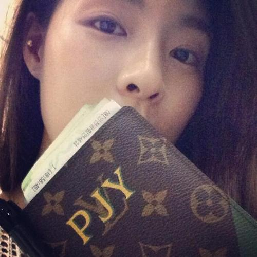 130512 kahi's instagram update Good bye Cebu. Go back to korea and i have a good memory. ❤