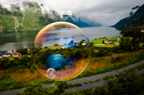 crimsun:  Viddal through a soap bubble (by Odinodin.com)