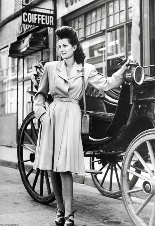 vintagegal:  Fashion in France c. 1944