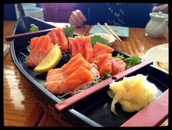 Eating my favorite food (salmon sashimi) with my favorite people in the world (mom, dad, popo, Vení, and bf) was definitely the highlight of my birthday ^_^