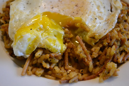 "Dinner! Homemade & clean ""rice-a-roni"" with an egg over easy on top SOOOO good, and much better for you than regular rice-a-roni! Ingredients:brown ricewhole wheat pasta, broken up into piecesvegetable broth & waterbasil, sage, oregano, garlic powder, sea salt, black pepperminced garlicminced onionsDirections:1. Sautee rice/pasta in a little bit of butter until pasta turns brown.2. pour in vegetable broth and seasonings and mix well; bring to a boil and then simmer.3. continually add water as needed until rice is soft. ta da! Rice-A-Roni! clean style! Top with an over easy egg or add your favorite meat."