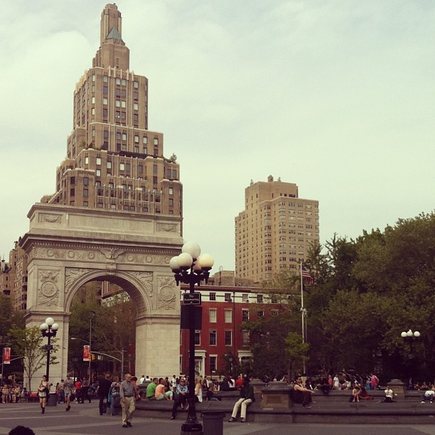 I'm digging NYC in the Spring (at Washington Square Park)