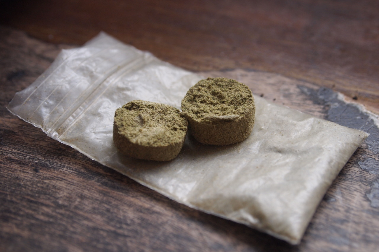 cannabis-critic:  Compressed Keif