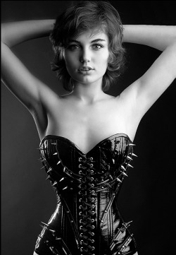 luxslave:  csdewittphoto:  passius: Beautiful Outfit… I like the Spikes   No hugs tonight!