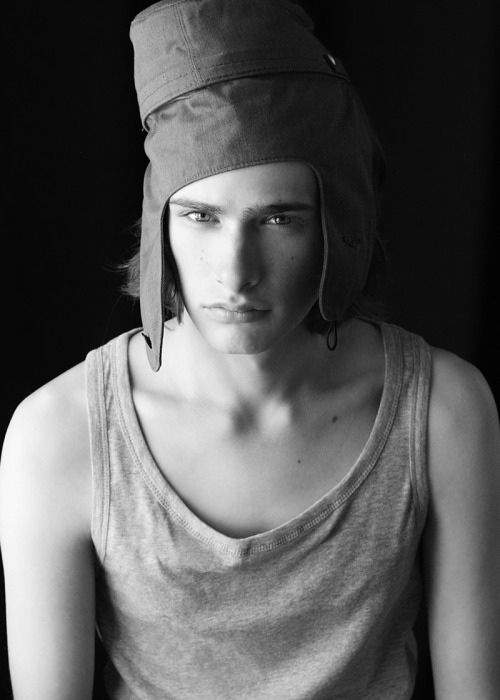 strangeforeignbeauty:  Nicholas [ b&w | fave models | 1000+ notes | facebook | twitter ]