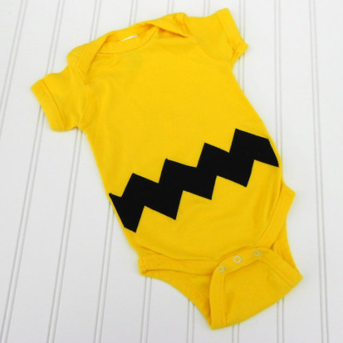 ifounditonetsy:  Click here to get this Charlie Brown onesie.