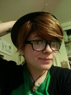 Hipster! Peter Pan wig came in the mail today! Can't wait for fanime!