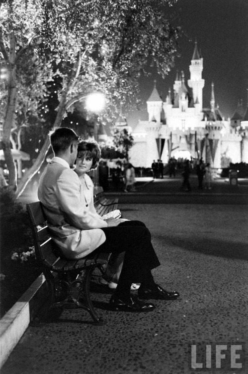 loveisadrug78:  All-night prom at Disneyland, 1961❤