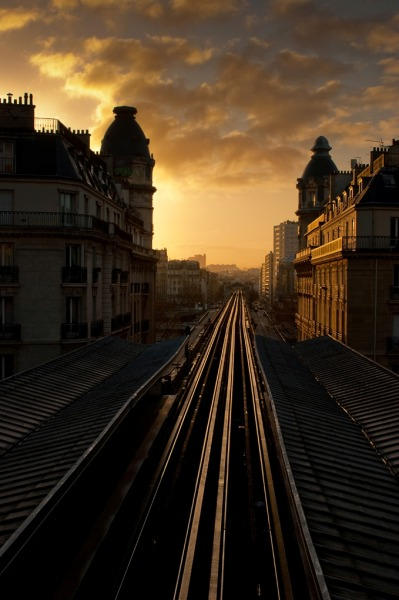 0rient-express:   Paris, la nuit et le matin | Zed The Dragon.