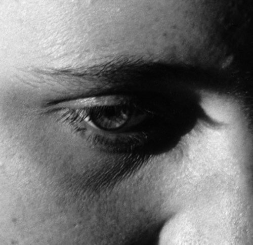 pvtdncr:  eye of portia hume. by imogen cunningham.
