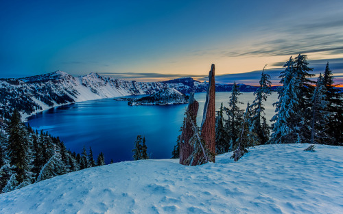Crater Lake Sunrise I by tobyharriman on Flickr.