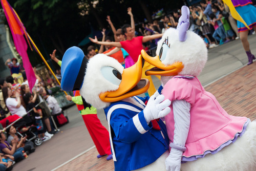 Hong Kong Disneyland Parade by Antoine Abramov on Flickr.
