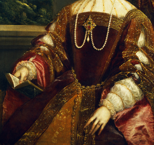 jaded-mandarin:  La Emperatriz Isabel de Portugal, 1548. Detail.