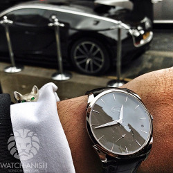 watchanish:  Raining cats and dogs but at least my driver's waiting here ;)Live Feed