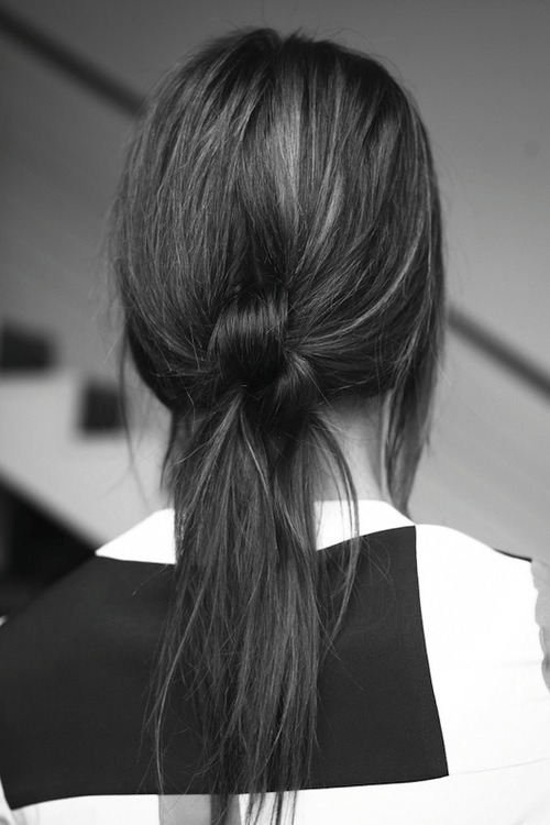forthosewhocravefashion:  Knotted ponytail