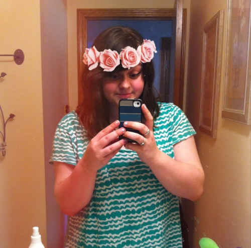 omfg I found a flower crown overlay I'm crying the internet