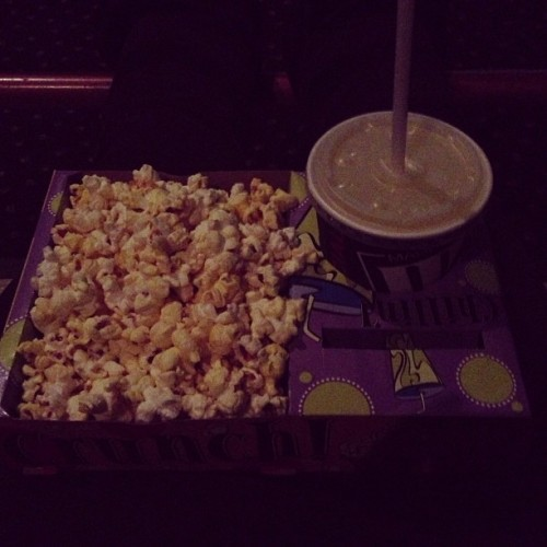 Got my kiddie tray at the movie theater! It's Gatsby time #gatsby #movie #movietime #leonardo #dicaprihoe #greatgatsby