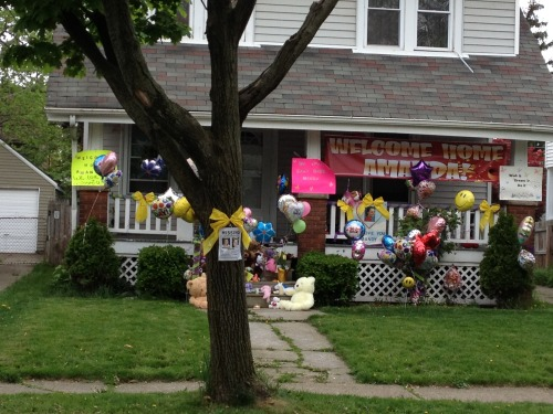 Scene outside Amanda Berry's sister's house, where Amanda is expected to arrive shortly.  Photo: NBC's Kristen Dahlgren