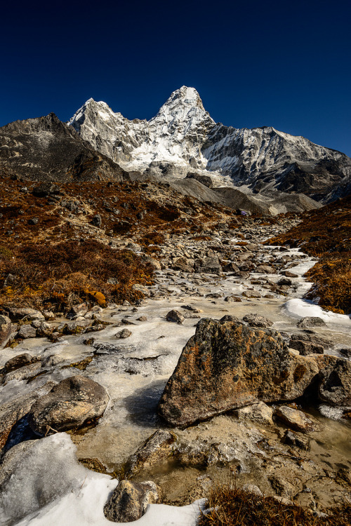 h4ilstorm:  The road to Ama Dablam base camp (by J W CRUX)