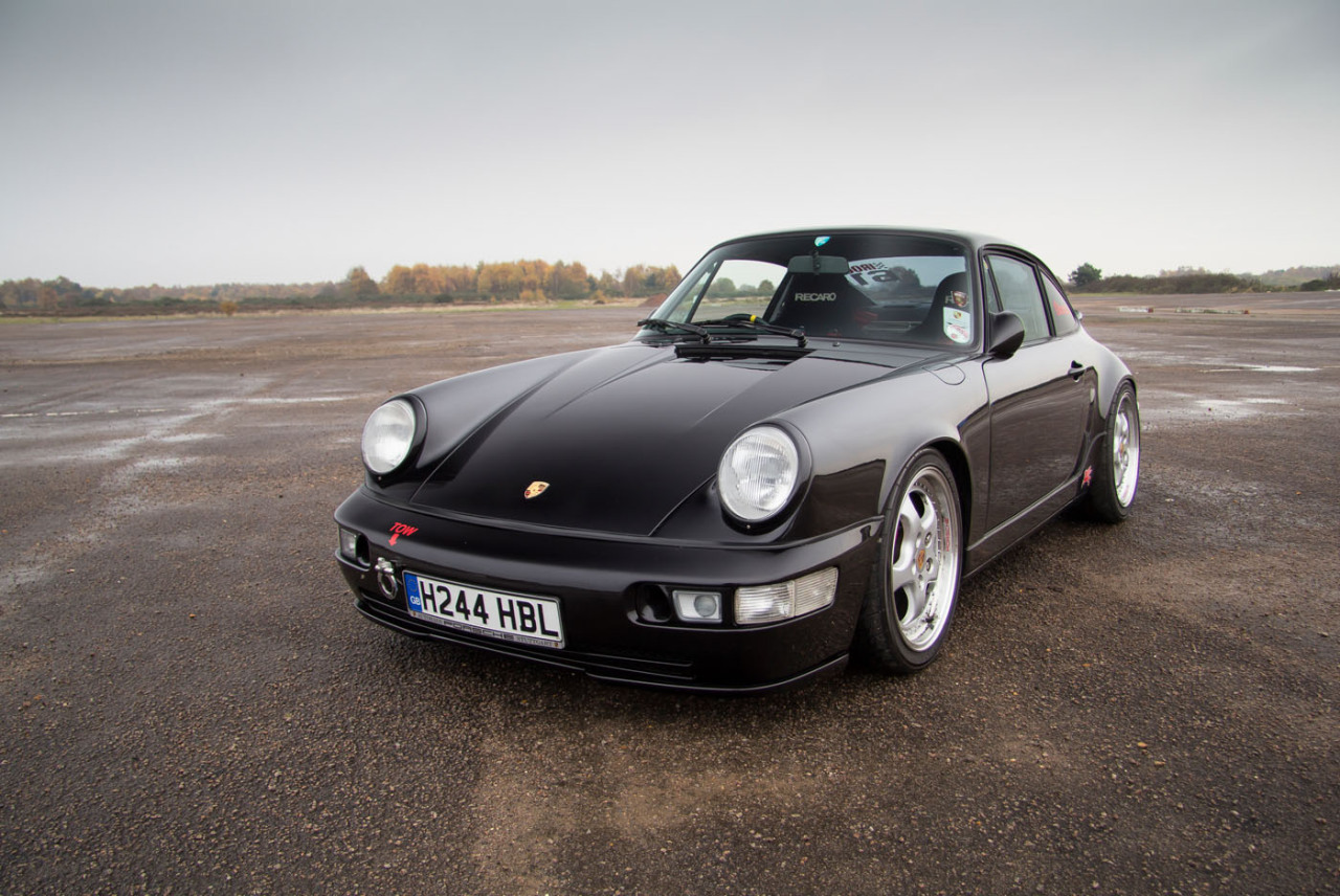 A perfect Porsche 964 (via Petrolicious)
