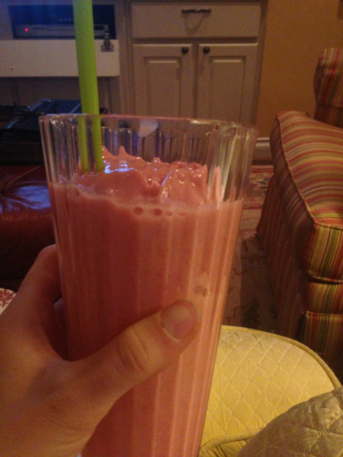 Amazing smoothie I had for dessert after a great workout.