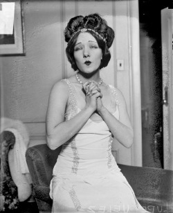 Movie actress Lupe Velez, making kisses, 1929, Chicago, Illinois. Photograph by Chicago Daily News.  Want a copy of this photo?  > Visit our Rights and Reproductions Department and give them this number: DN-0087829 Connect with the Museum