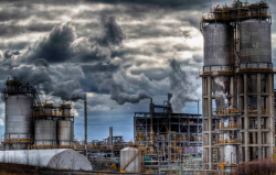 montreal-photos:  Oil Refineries in Pointe-aux-Trembles (Montreal, Quebec)