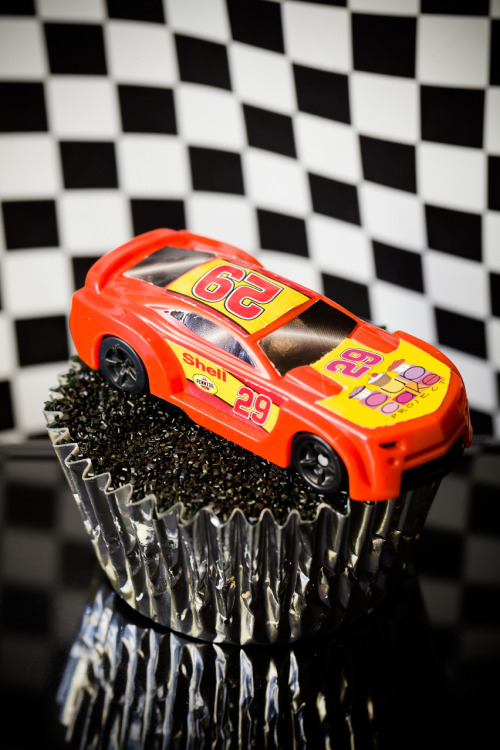 NASCAR Cupcakes – Salt and Vinegar Pork Rind Cupcakes with a Beer Glaze http://www.cupcakeproject.com/2013/02/nascar-cupcakes-salt-and-vinegar-pork.html#7Cxe2BUSKwXL6pLk.99