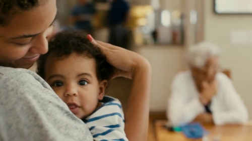 kaleidoscopeofsoul:  Seeing Beyonce as a mommy with Blue Ivy warmed my heart. <3
