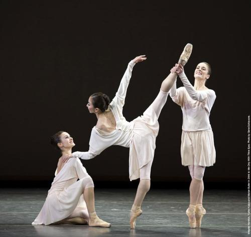 "anotherballetblog:  Mark Morris' ""Drink to me Only with Thine Eyes"" - American Ballet Theatre Photo : Gene Schiavone"