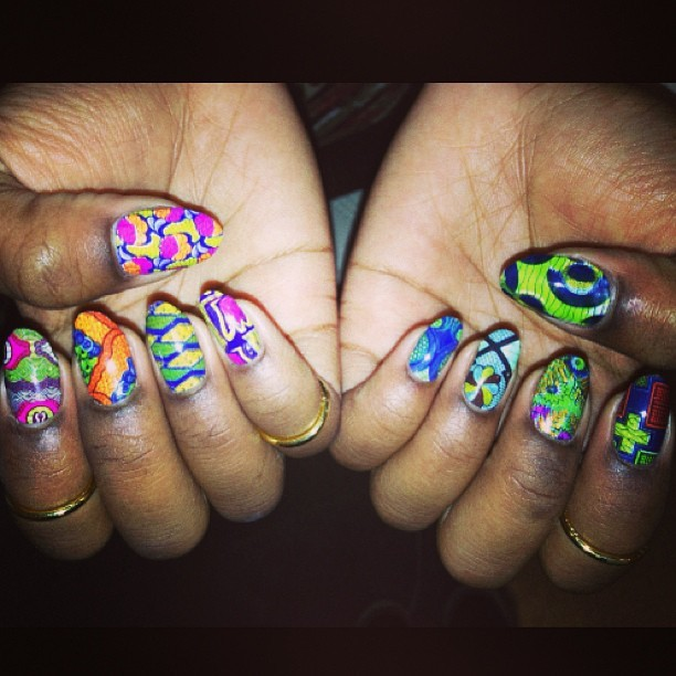 """Wax Print"" nail wraps just done at @candypaintla inside #melodyehsani #nailart #design #nailgel #japanese #african #waxprint (at Melody Eh$ani Store)"