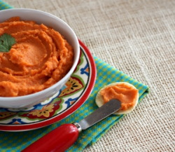 findvegan:  Oil-Free Carrot Hummus. flavor as vibrant as the color!