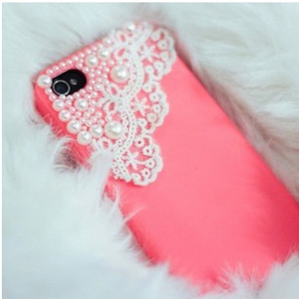I want this phone case :) I want an iPhone to put inside… @nutella_4_eva