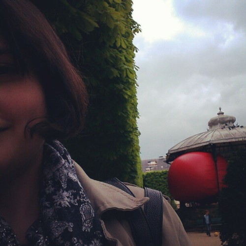 This is me and the red ball. #maredball  (at Place du Commerce)
