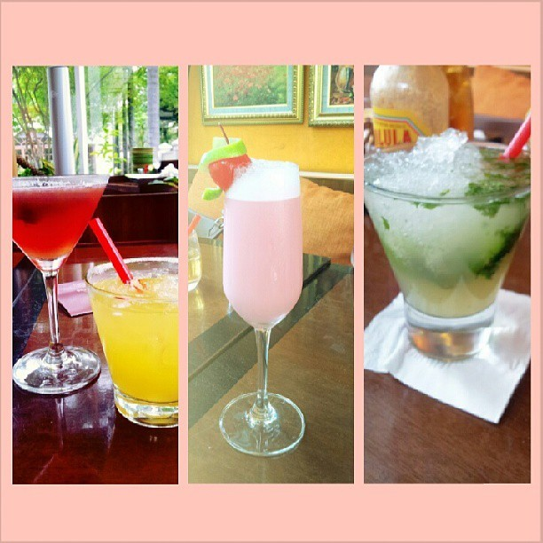 #pretty #drinks #cocktails #martini #hacienda #cosmo #mojadito #ultimate #amorcito #corazon #sweet #sweetness #alcohol #trouble #igers #igdaily