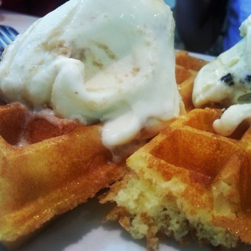 #Afternoon #tea. #Waffles at half price every Tuesday. Let's go!!!