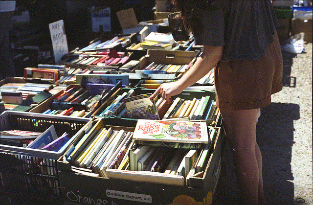 neonkriegerin:  I love flea markets :3