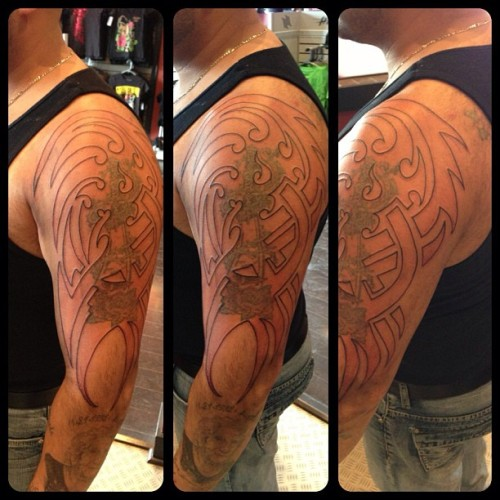 #coverup #tribal #tribaltattoo #black #iphone5 #ios #tattoo #hnhniagara #tattoos