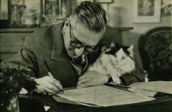 mastercatscinema:  Pondering the meaning of existence with his cat. Via buzzfeed.